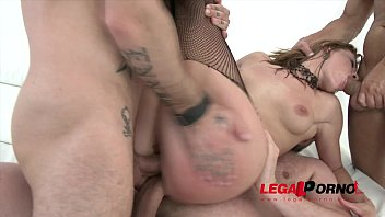 Victoria Daniels 3on1 Airtight DP SZ915