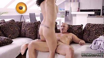 Teen calls me daddy and old man cums inside xxx Rough bang-out for Vorschaubild