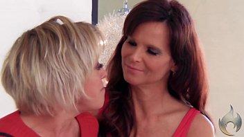 Girl Crush -Lesbian sex Dee Williams & Syren De Mer -Real Life Couple