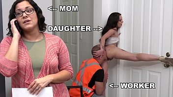 BANGBROS - Teen PAWG Gia Paige Taking Dick From Roofter Sean Lawless Behind Mommy's Back 12分钟