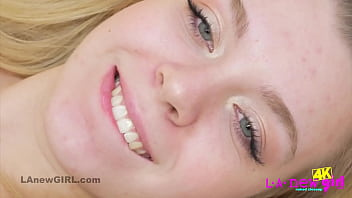 Catchy blonde teen shows her perfect body in HD thumbnail
