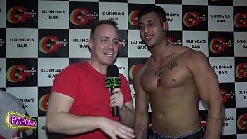 Guingas Bar stripper com Bruno Andrade