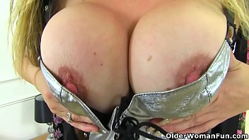 Fuck cradle of filth - English milf classy filth loves flicking her bean