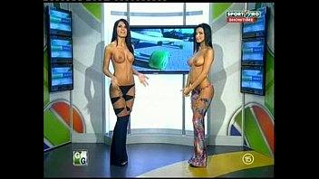 Naked news award show 2009 Goluri si goale ep 12 miki si roxana romania naked news