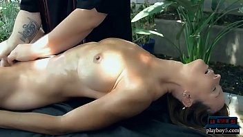 Pussy massage expert provides great orgasms for his clients