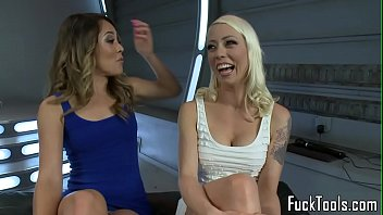 Lesbian Babes Upside Down For Dildo Machine
