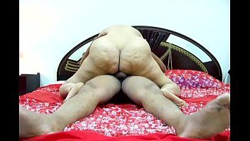 HOT DESI FAT ASS AUNTY MUNNI