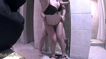 amateur couple PUBLIC SEX Bahamas Adventure in the bathroom @andregotbars