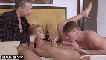 Glamour pussies - Glamkore - cherry kiss fucks her husband and his assistant