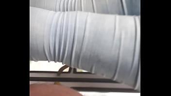 Bunda grande no onibus