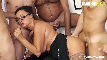 AMATEUR EURO - One Pussy   Four Cocks = Fun (Laura Rey)