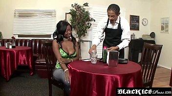 Sexy ebony Jessica Grabbit orders her favorite dish