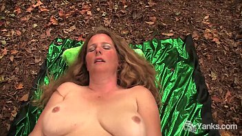 Rubenesque pornstars - Bbw jade cumming in the wild