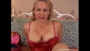 Old women squirting pussys Beautiful mature blonde is a squirter