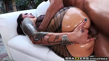 Brazzers – Big Wet Butts – (Nikita Denise, Mick Blue) – Czech Out My Ass