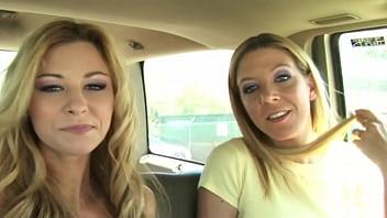 2 girls blowjob