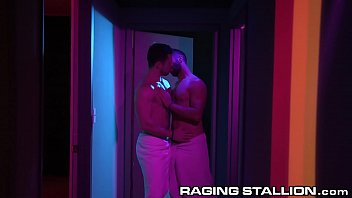 Gay bathhouse toronto - Ragingstallion horny muscle hunks sneak a blowjob in the hall