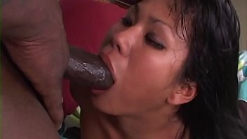 Kuanna Lee, want to bbc and she get it ....