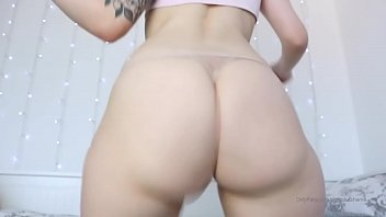 Sexy white girl with fat ass