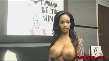 Stunning ebony Ravenxxx masturbates and squirts ALIVEGIRL