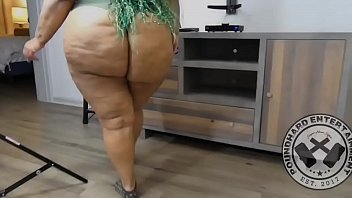 Fat bottomed girls by queen - Thick firm bbw cheeks calls her massage therapist over poundhardent promo only
