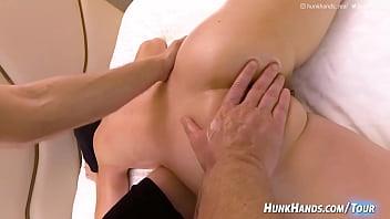 ¡confirmó PRIMERO chorro! (chica de la oficina asiática caliente) loco-ruidoso aficionado chino Singapur gf obtiene dedo follada .. GUSHES en la cama del hotel en real, de cerca Squirting Yoni Massage   Taiwan vlog