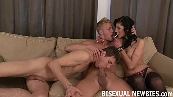 Bisexual amatuar porn - Lets start your first bisexual threesome slowly