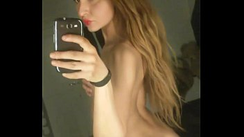 Pendeja Putita Argentina Selfie Desnuda 2