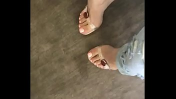 Kylie Jenner Gorgeous Feet!