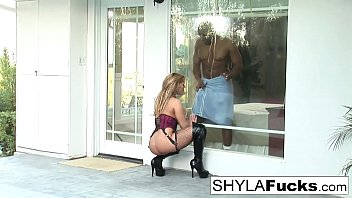 Prince Delivers a Black Cock For Shyla