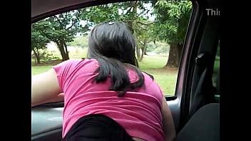 Raquel exibida casada puta tirando uma calcinha de dentro da  buceta  -www.raquelexibida.net
