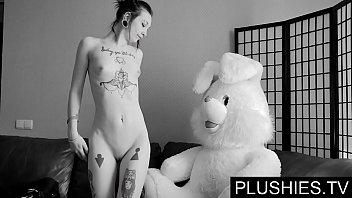 Tv fucks girl - Black goth girls agrees to suck and fuck with teddy bear at casting, jizz in mouth