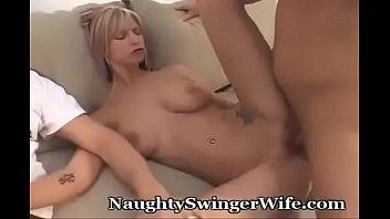 Comparte esposa con amigo