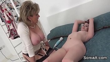 Streaming Video Unfaithful english milf lady sonia showcases her enormous tits - XLXX.video
