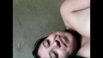 Mi prima y yo en la cama