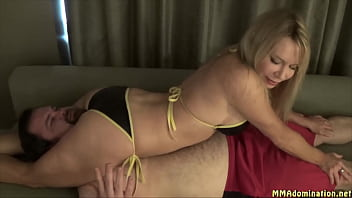 Fightbabe Robin older woman teacher dominates white male student with her thighs 4 min