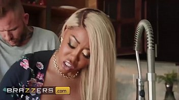 Cheating Wife (Moriah Mills) Gets Drilled By Husbands Pal - Brazzers
