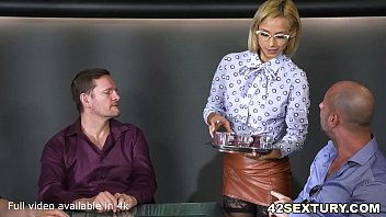 Absolutely Stunningly Sexy Veronica Leal Offers both her holes to 3 guys thumbnail