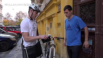 Fre twink sex clips - Jirka barebacks the postman tibor