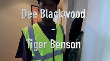 Tigerr Benson shags her boyfriend