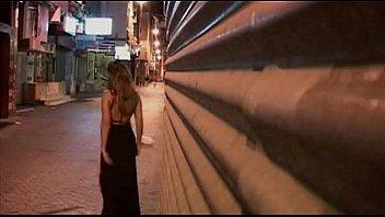 Corno ver sua linda mulher transar com outro na rua.
