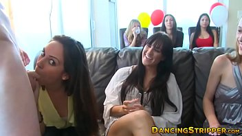 Amateur babes make big dick strippers fuck their faces