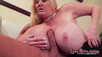 Blonde MILF with huge tits gets boned on the sofa buy a big stud! ▬ Get yourself a fuck date on lenanitro.dating! ►►►
