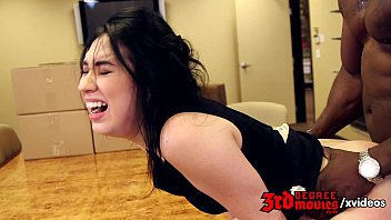 Aria Alexander is going to suck a BBC 9分钟