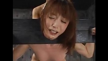 Subtitled Japanese hotel massage leads to blowjob in HD - http://bit.ly/xvide0s
