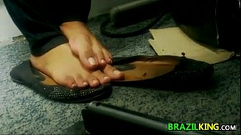 Naked office girls - Spying on a naked brazilian girls feet
