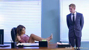 Brazzers Cassidy Banks Gets Some Big White Cock At Work thumbnail