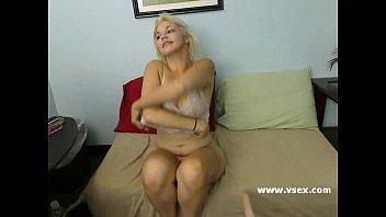 Free control a fuck machine - Amatuer lucy live sex machine webcam