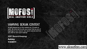 Видео девки мастурбируют подсмотренное