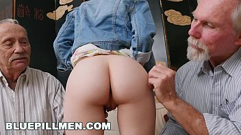 Men with shaved head - Blue pill men - old guys frankie and duke play with petite redhead dolly little